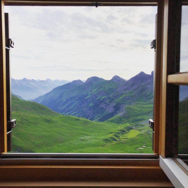 Mornings with a view - Stuttgarter Hütte 🇦🇹 #alps #hiking #mountains #mountain #hüttentour ...
