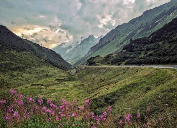 Arlbergpass | #arlbergpass #arlberg #tirol #visittirol #alpen #alps #mountains #berge #clouds #wolken #austria ...