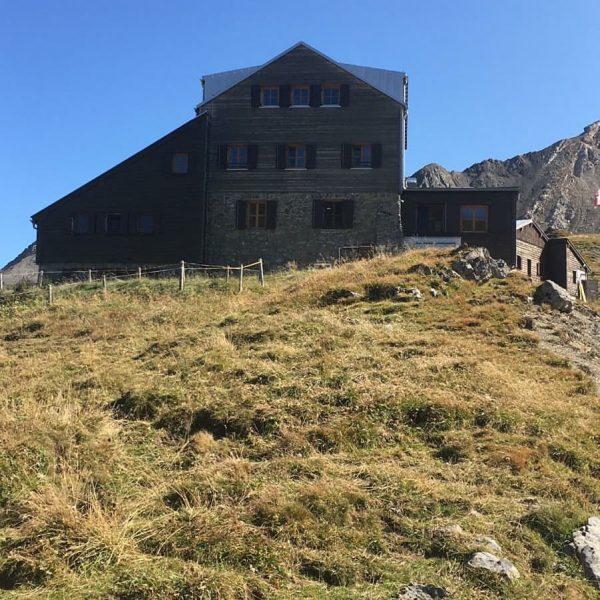 Das große Kind schickt tolle Fotos von der Wanderung mit Hüttenübernachtung 😍. #stuttgarterhütte ...