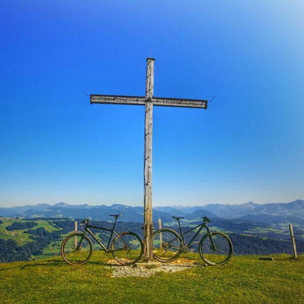 Auf dem Gipfel. Hirschbergsau, Vorarlberg, Austria