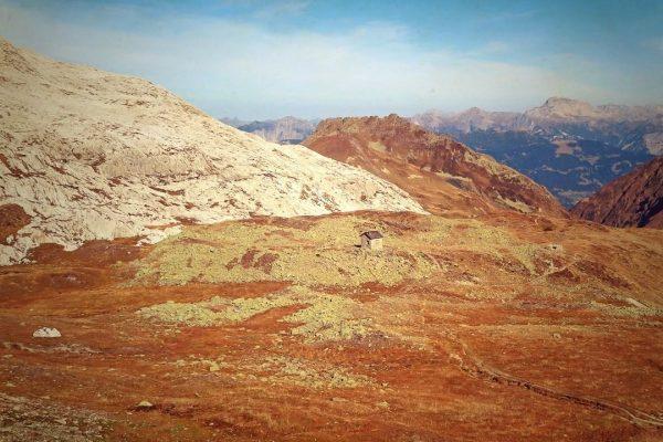 Das einsame #zollhäuschen hinter dem #plasseggenpass (Wanderung von #stantönien respektive #partnun rund um ...