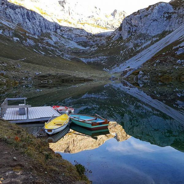 #herbststimmung🍁 #heimatgenuss #wirliebendieberge #partnunersee #gruabenpass #plasseggenpass #sarotlapass #partnun #🐶😃🥂 Partnun, Graubunden, Switzerland