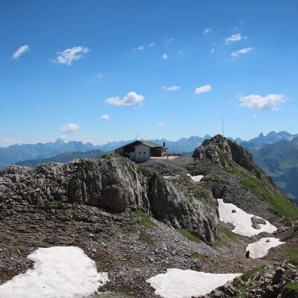 So schön können die Berge sein #berge #gebirge #kleinwalsertal #allgäu #bergwelten #bergwandern #bergliebe ...