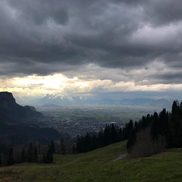 #trailrunning #instarunners #mountainrunning #stormy #springiscoming #schwende Schwende (berg)