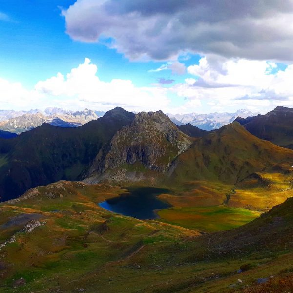 I can't wait for the next alpine summer! . . #alps #mountains #valley #lake #hiking #wanderlust #travel...