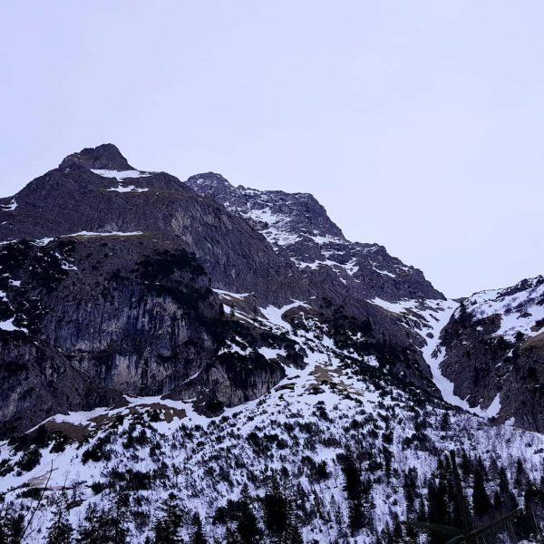 Unsere heutige Tour führte uns von #baad aus vorbei an der #alpewidderstein zur ...