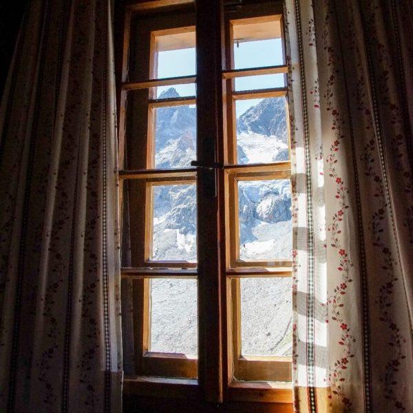 eine meiner Lieblingserinnerungen an letzten Sommer, imposanter Ausblick bei Stefan & Tanja auf der Saarbrücknerhütte Galtür-Montafon-Partenen #ronnilorenz...