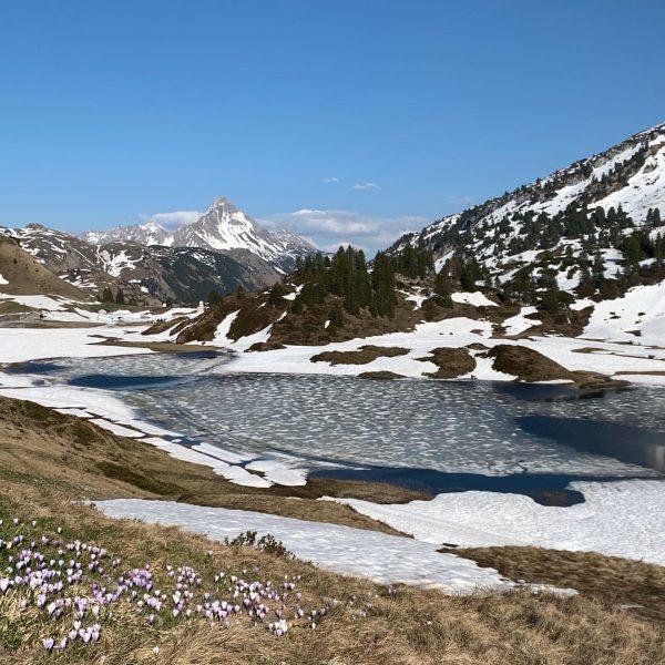 Frühling zieht ein😃 #kalbelesee #hochtannbergpass #warthschröcken #biberkopf #bregenzerwald Hochtannbergpass