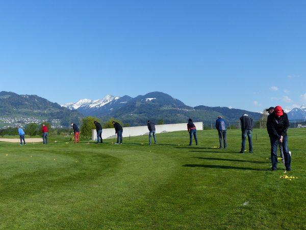 Liebe Golfer & solche die es noch werden wollen! Wir hoffen es geht ...