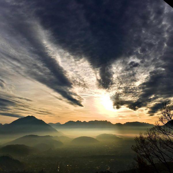 ausblick #vorarlberg #spooky #bodenseetourismus #sunset #rheintal #viktorsberg #nature