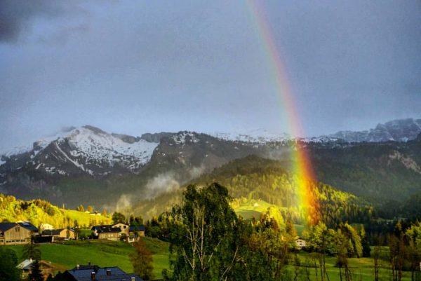 coole Abendstimmung, seit langem wieder mal ein 🔨 Regenbogen 🌈 #meinsibratsgfäll #regenbogen #abendstimmung ...