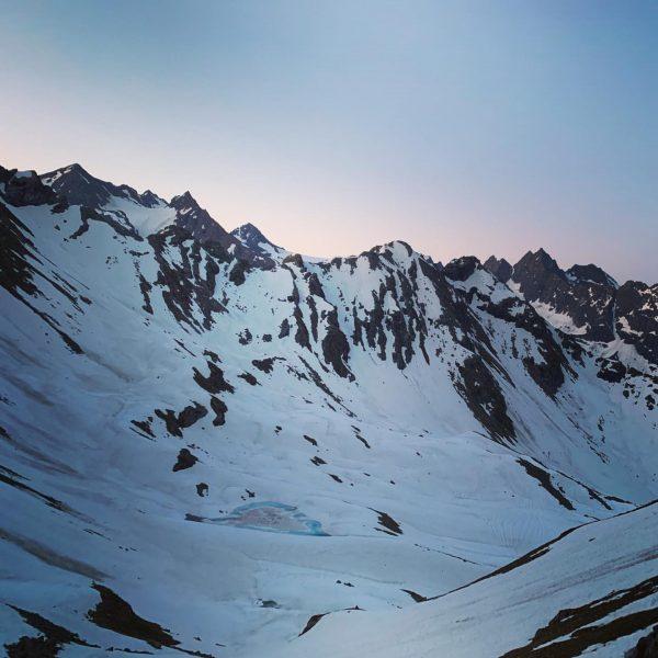 Sonnenaufgang in der Silvretta, die Nacht war eiskalt und sternenklar. Dafür der Schnee ...