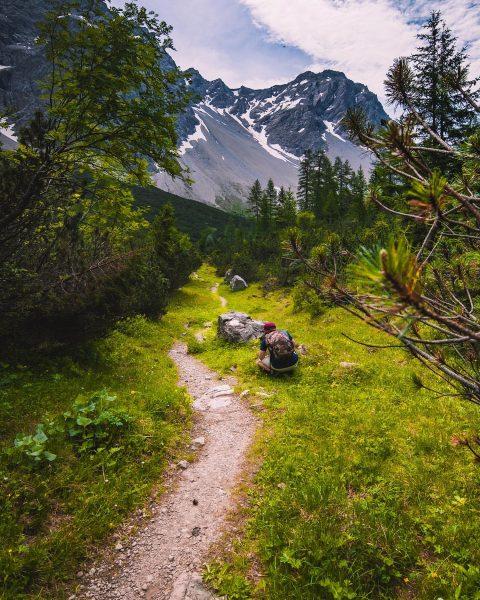 Ein traumhafter Wanderweg zum #Hirschsee - wahrlich der Himmel. Hoffe, man kann bald ...