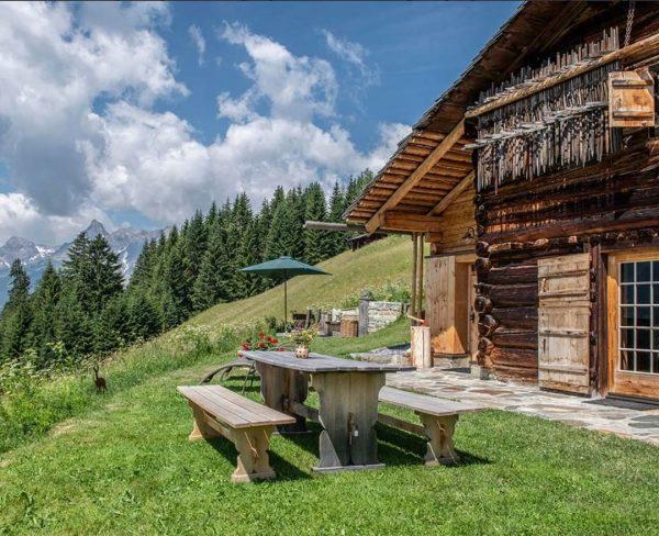 Urlaub mit Aussicht 🇦🇹😍 Schon von den Montafoner Berghäuser gehört? So wie jeder ...