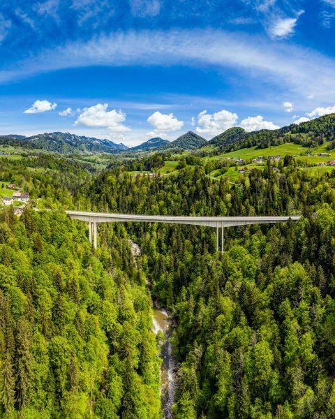 #bridge above #bregenzerach #bregenzerwald #visitbregenzerwald #vorarlberg #visitvorarlberg #ig_austria #river #lovesaustria #alpen #alpenliebe #planetfervor ...