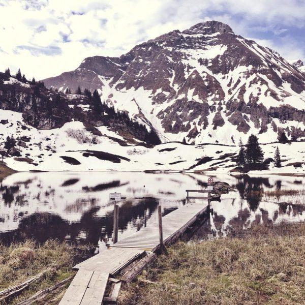 Frische Luft. #körbersee #visitvorarlberg #vorarlberg #großerwidderstein #schröcken #hochtannbergpass #roadtrip #vanlife #nature #mountains #outdoor ...