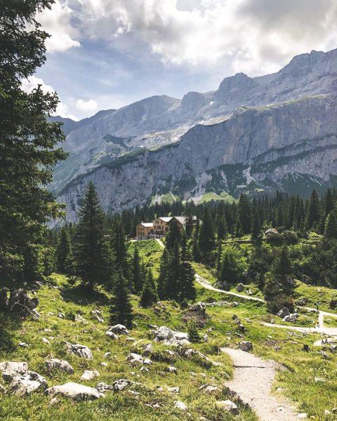 VORFREUDE ... auf die vielen Wanderungen in der Montafoner Bergwelt. 🥾⛰ #bergemitwow Erkennst ...