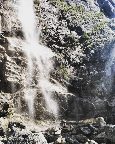 #hiking #day #waterfalls #waterfall #intheforest #relax #vorarlberg #vorarlbergwandern #berge #travel #travelgram #love #hikeoftheweek ...