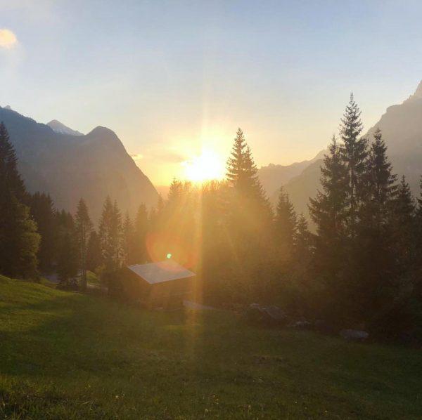 Sonnenuntergang in #Dalaas ☀️ . . #klostertal #wow #jetztträumen #spätererleben #visitvorarlberg Dalaas, Vorarlberg, ...