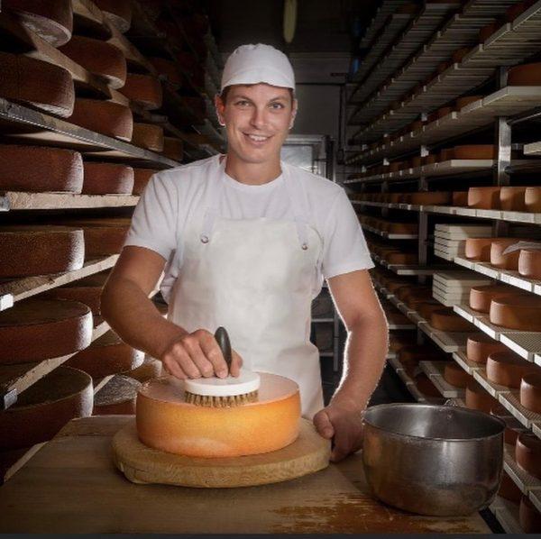 Die KäseStrasse Bregenzerwald ist ein Verein zur Erhaltung und Förderung der Käsekultur. Den ...