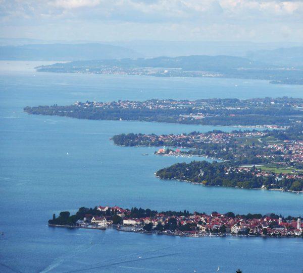 Schöne Fernsicht vom Pfänder, dem Hausberg der Bregenzer über den gesamten Bodensee. . ...