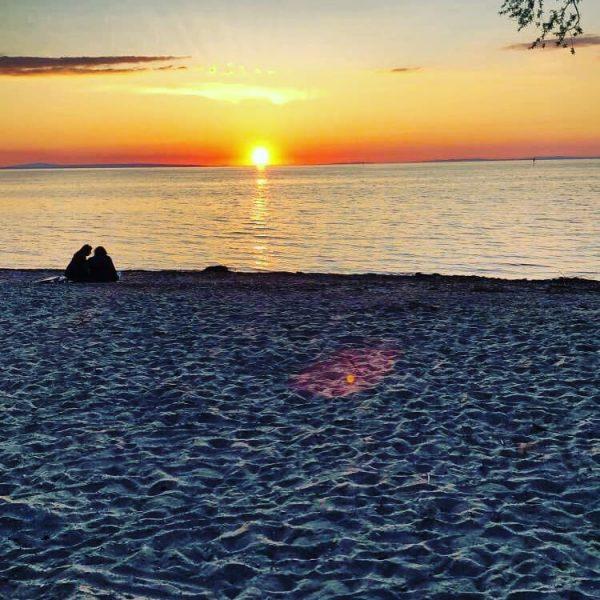 Wünsche euch allen einen sonnigen Wochenstart ! #sonnenuntergang #sonnenuntergang🌅 #sunshine #sunset #sunsetphotography #bodenseebilder ...