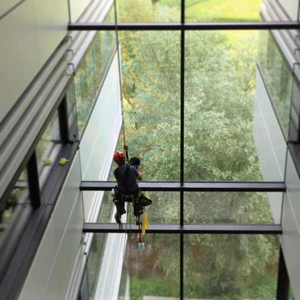 Window cleaner at Doppelmayr headquarters #window #windowcleaner #fensterputzer @doppelmayr #doppelmayr #cablecar #ropeway #architecture ...