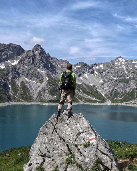 Ist das nicht ein schöner Blick 🤩 #österreich #lünersee #bludenz #berge #wandern #alpin_bergmagazin ...