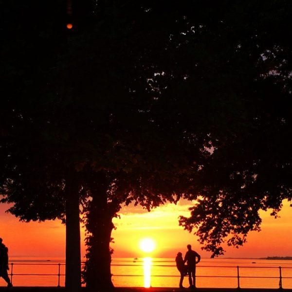 """Endlich...der erste #sundowner in der """"die welle"""" seit laaangem😊 Freuen uns auf euch😍 ..."""
