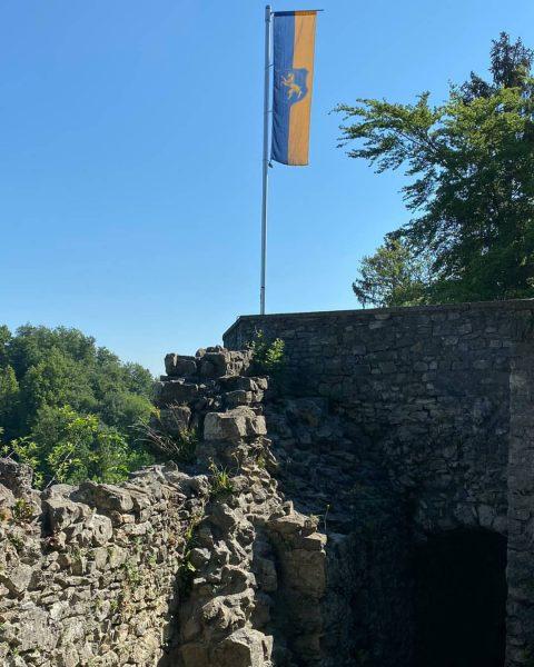 Traumwetter heute in Hohenems. Auch die Burgruine Alt-Ems erfreut heute mit einem imposanten ...