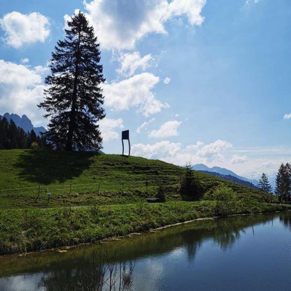 Alpine Art Muttersberg - Kunstweg ☀️ . . #bludenz #muttersberg #alpenstadtbludenz #kleinehistorischestädte #kunstweg ...