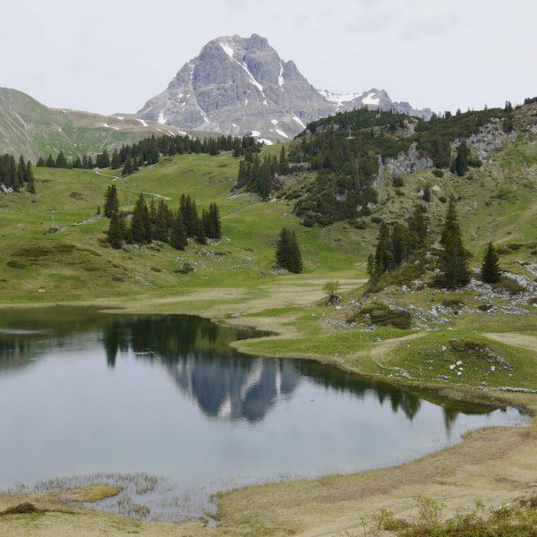Körbersee ... #körbersee #auenfeld #warth #schröcken #arlberg #vorarlberg #venividivorarlberg #austria #auenfelderhütte #kalbelesee #schönsteplätzeösterreichs ...