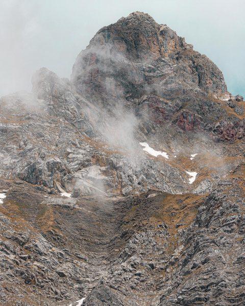 𝖹𝗂𝗆𝖻𝖺 𝟤.𝟨𝟦𝟥𝗆 𝖬𝗈𝗇𝗍𝖺𝖿𝗈𝗇𝖾𝗋 𝖬𝖺𝗍𝗍𝖾𝗋𝗁𝗈𝗋𝗇 ______________________________________________ #vorarlberg #visitvorarlberg #austria #visitaustria #zimba #montafon #meinmontafon #alpenvereinvorarlberg #bergliebe #hikingadventures #neverstopexploring #mountains...