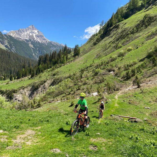 Fahrrad Tour Hochtannbergpass~Oberlech~Auenfeldjet~Au So macht Urlaub Spaß #familienurlaub #wanderurlaub #jagdurlaub #mountainbikeurlaub #aktivurlaub #motorradurlaub ...