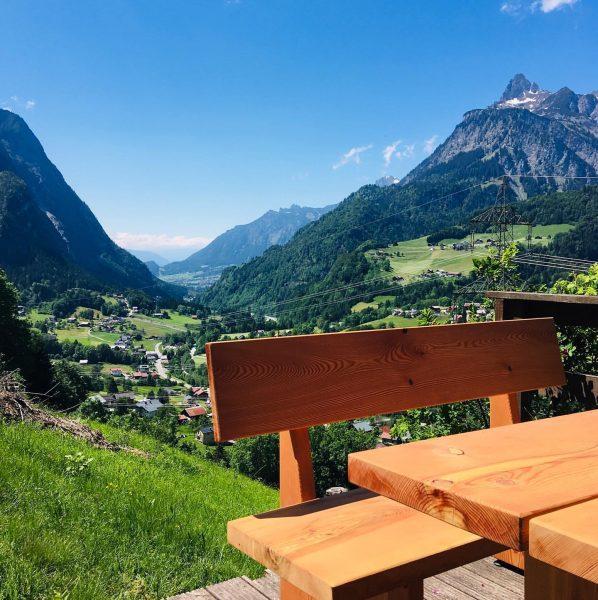 ... die SCHÖNSTEN Plätze im Klostertal ☀️⛰ •3• Maisäß Paluda - gerne nehmen ...