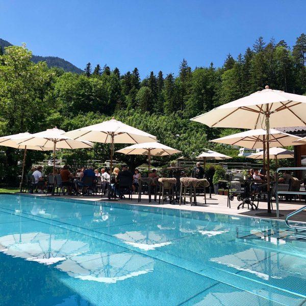 Sonne tanken im Gastgarten #sonnetanken #gastgarten #summerstyle #drinks #apero #wein #bier #frastanzerbier #voüs ...