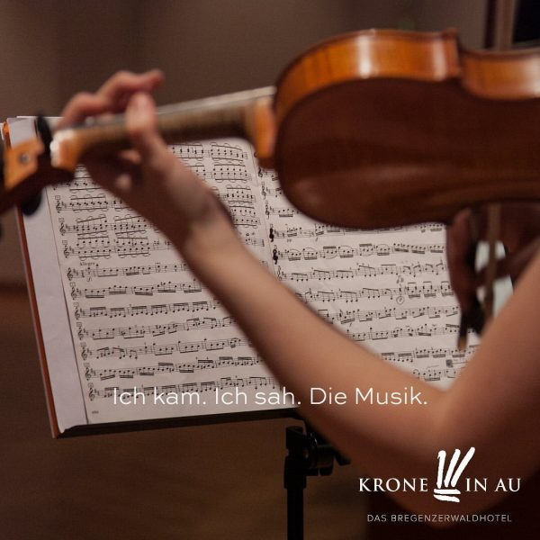Wir arbeiten daran, unsere wöchentlichen Konzerte mit den tollen Musiker_innen des @landeskonservatorium_feldkirch weiter ...