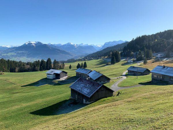 Soon borders between Switzerland and Austria open again! 🇨🇭❤️🇦🇹 . Then we can ...