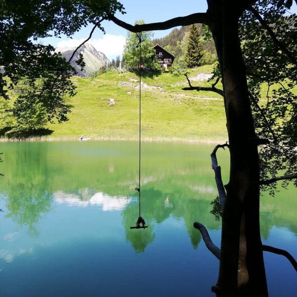 Ich kam. Ich sah. Badespaß am Seewaldsee. #seewaldsee #venividivorarlberg #damülsfaschina #bergsee #visitvorarlberg #visitbregenzerwald