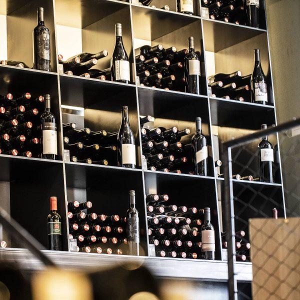 Die Vinothek GAMS 1648 ist ein ganz besonderer Ort. Wein 🍷, Pizza 🍕 ...