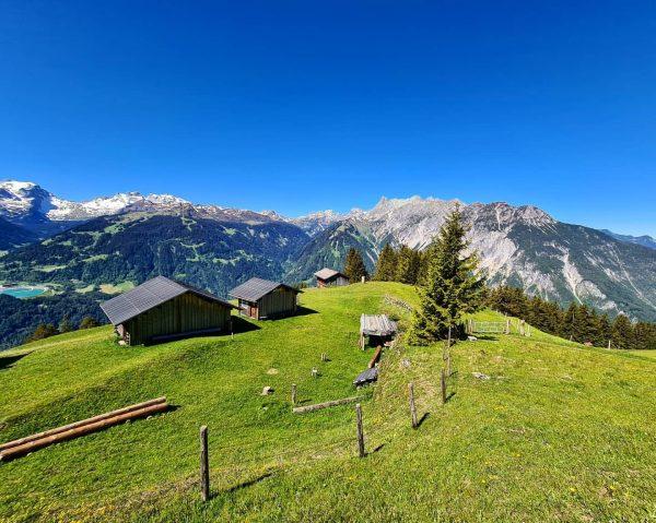 Blick Richtung Zimba & Gauertal 📍 #rellseck , Austria . . . . . . #mountains #portrait...