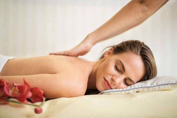 Unsere Masseurin Widy freut sich riesig, euch endlich wieder mit entspannenden Massagen verwöhnen ...