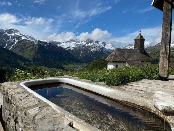 was a bit to cold for a bath today 😉 #bürstegg #eshatgeschneit #lechamarlberg #arlberg #austria #urlaubindenbergen #mehrraummehrzeit...
