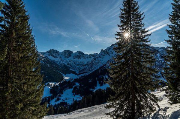 Sony A7RIII, 24-70 GM. #landscapephotography #sonyalphagallery #germanalphas #landschaftsfotografie #sonya7riii #sonyalphaa7riii #winter #kleinwalsertal #österreich ...