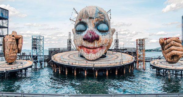Bregenzer Festspiele to festiwal sztuk scenicznych, który odbywa się co roku w lipcu ...