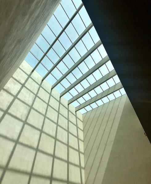 #raster #schattenwurf #bregenz #vorarlbergmuseum #vorarlberg #bodensee #architecture #sky #architecturephotography #architektur #architecture #architecturelovers #archiporn ...
