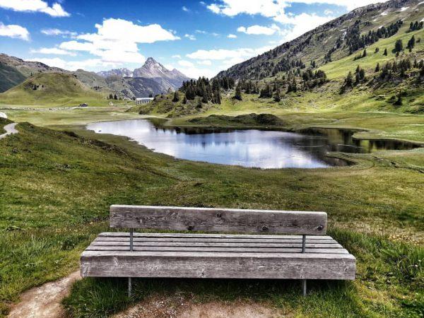 Bank mit Aussicht 😊 #vorarlberg #austria🇦🇹 #bregenzerwald #aussichtgenießen #lake #landscape #nature #mountains #mountainlove ...