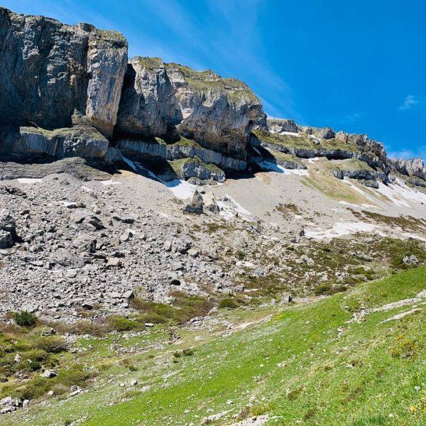 #hoherifen #gottesackerplateau #allgäu #kleinwalsertal #vorarlberg #diedamskopf #allgäueralpen #austria #wanderlust #wandern #kletterei #schneefeld #mountains ...