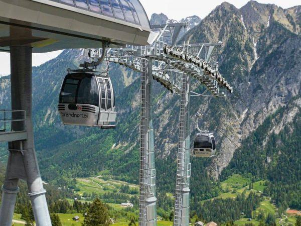 Liftname: Dorfbahn Brand Ort: Brand Liftverbund: @brandnertalbergbahnen Region: Vorarlberg Land: Österreich 🇦🇹 Streckenlänge: ...