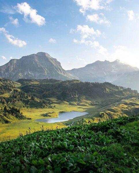 Bergsee gefällig? 😉 @mrcfessler hat den Kalbelesee von seiner schönsten Seite erwischt. Vielleicht ...